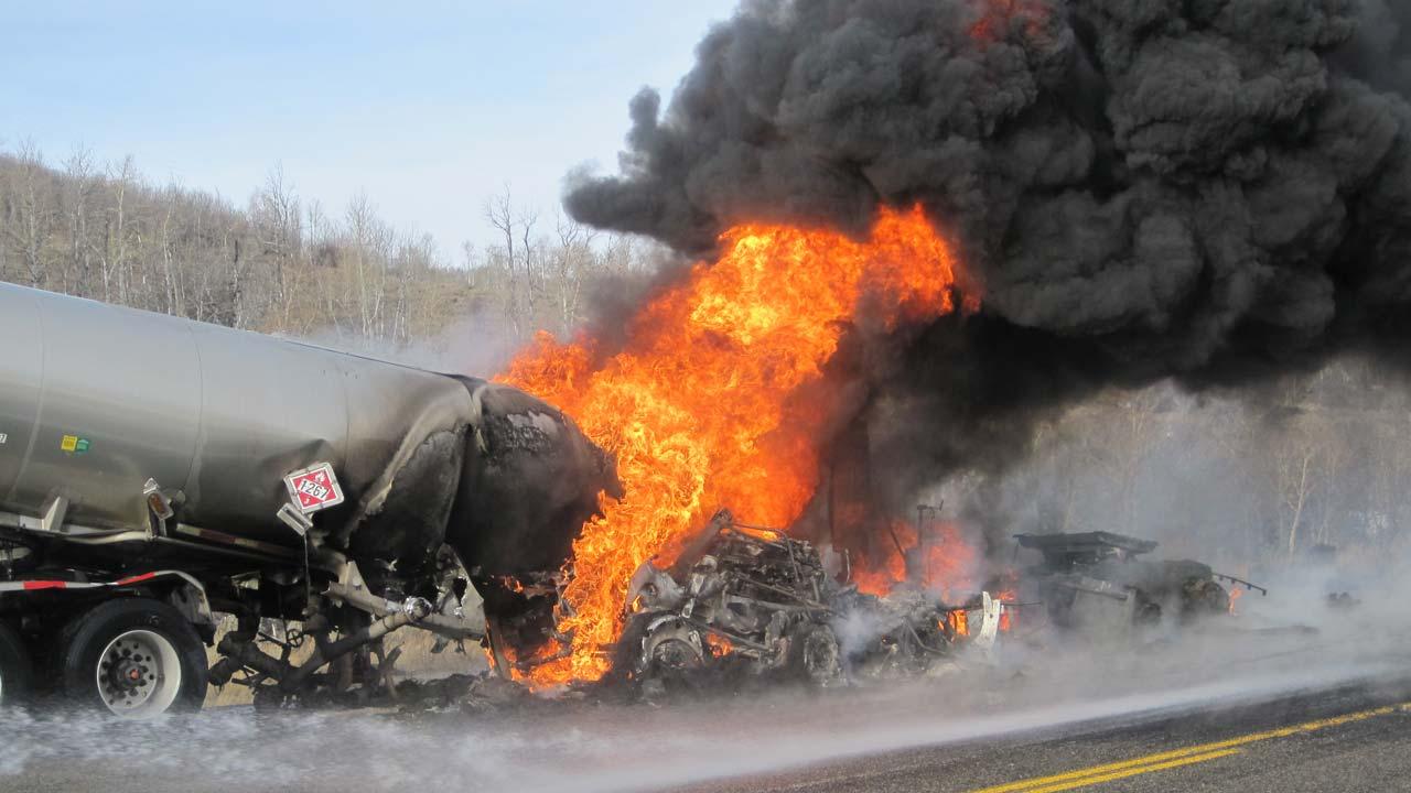 7 Killed, 8 Injured in Crash